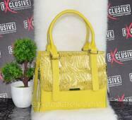 Женская  кожаная сумка  желтая с принтом