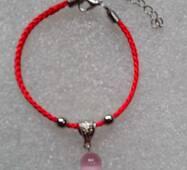 Червона нитка оберіг натуральний камінь Котяче око
