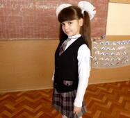 Шкільна форма для дівчаток молодших класів, чорна з вставками