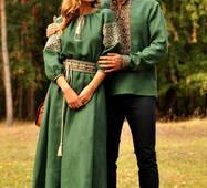 Вражаючий комплект - чоловіча вишиванка глибокого зеленого відтінку та жіноча вишита сукня в пол