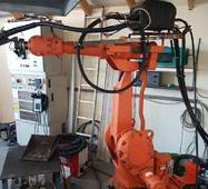 Зварювальний маніпулятор IRB 2400
