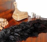 Килим з 2-х овечих шкур (чорний, довгошерста новозеландська овчина)