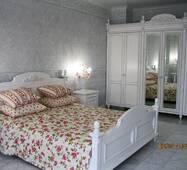 Дерев'яні меблі для спальні на замовлення у стилі Прованс