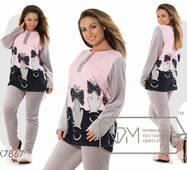 Домашний костюм из велюра - прямая туника с рисунком, однотонными рукавами и застёжкой-поло плюс приталенные штаны на резинке X7867