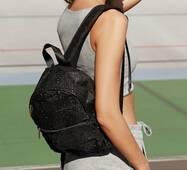 Невеликий текстильний рюкзак