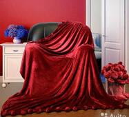 Велюровий плед покривало з помпонами євро 200х230 см   Червоний