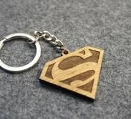 Брелок з дерева. Брелок Супермен. Superman