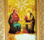 """Икона """"Святая Троица"""" из янтаря 10х15 см без стекла"""