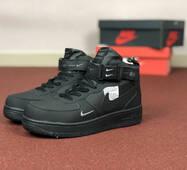 Мужские зимние кроссовки черные Nike Air Force 8590