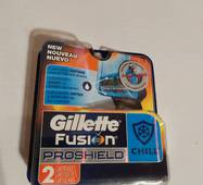Сменные кассеты  Gillette Fusion ProShield Chill 2 шт. в упаковке