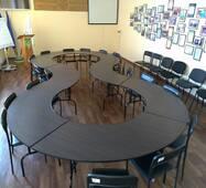 Доладні столи для конференц-залу. Зовнішні габарити конфігурації 5680 х 2695 х 750 мм