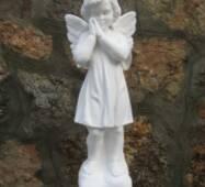Ритуальная статуя из белого бетона