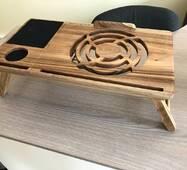 Столик для ноутбука з дерева