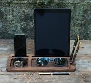 Дерев'яна підставка для планшета і смартфону