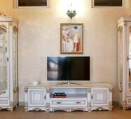 Деревяна стінка Зефір прованс у Бароко стилі