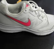 Кроссовки женские белие Nike 684765-100  37.5 размер 23.5см стелька