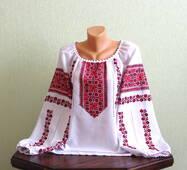 Українська жіноча вишиванка ручної роботи