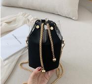 STK Чорна сумка маленька шестикутна