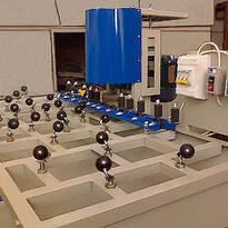Оборудование для обработки стекла: печи для фьюзинга и моллирования, станки для обработки кромки стекла, пескоструйные камеры