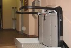 В продаже появились гидравлические подъемники для инвалидов!