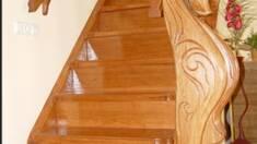 Дерев'яні сходи у будинку: рецепт ідеального підбору