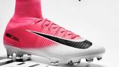 Футбольні бутси Nike - стань ближче до професійних футболістів!