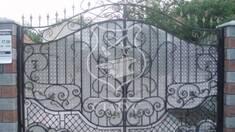 Чому варто вибрати паркан із ковки?
