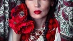 Тайна вышивки: что символизирует платье вышитое маками?