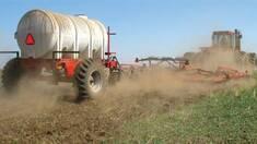 Обприскування полів — запорука отримання високого врожаю