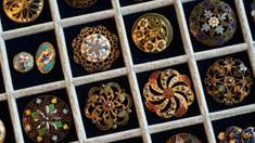Выбираем пуговицы: где эксклюзивные пуговицы купить и как создать идеальный образ с ними?