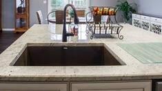 Обыграть дизайн вашей кухни поможет искусственный акриловый камень!