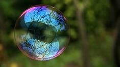 Мыльные пузыри: детская игрушка с тысячелетней историей