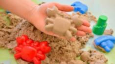 Кінетичний пісок - іграшка, яка розвиває