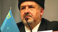 Leader of Crimean Tatars Labeled 'Extremist,' Banned From Home