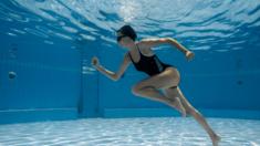 Бассейны открыты: какой выбрать купальник?