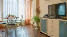 Комфортні та затишні квартири подобово на лівобережній частині столиці бронюйте у Home Hotel!