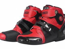 Взуття для авто- та мотоспорту