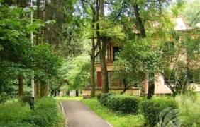 kuda-poehat-otdyhat-letom-ozdorovitelnyy-sanatoriy-prikarpatya
