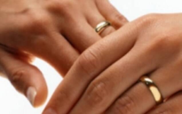 Прості обручки із золота — банально чи практично  - Статті ... 9c46af478b3a9