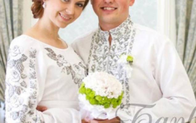 Весільна сукня з вишивкою  традиція 21abfeba5c500
