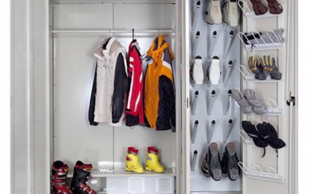 ... одягу вирішує досить багато проблем і допомагає уникати різних  неприємних нюансів на виробництві. Сушильні шафи для одягу можна помітити  на фабриках 74bb8a905eab6