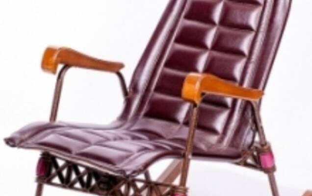 деревянное кресло качалка стильный и удобный предмет интерьера
