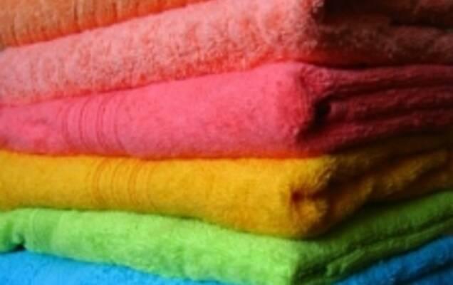 Махровая ткань – настоящий рай для ценителей комфорта и уюта. Для  изготовления используют преимущественно натуральные волокна из хлопка и  льна. 21bcd9b92de98