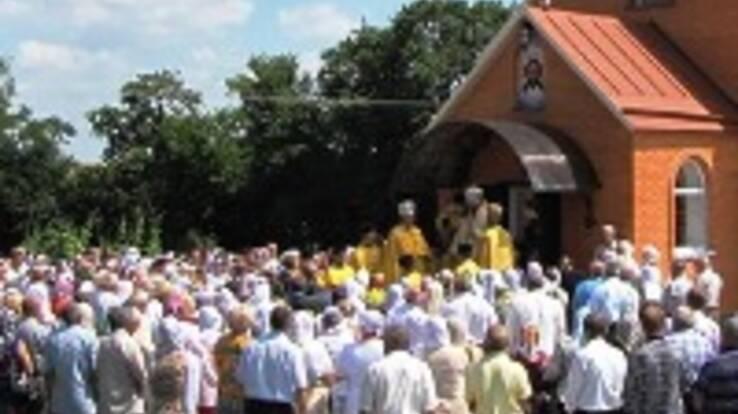 Селяни рідко ходять до церкви, однак вважають себе більш віруючими за міщан