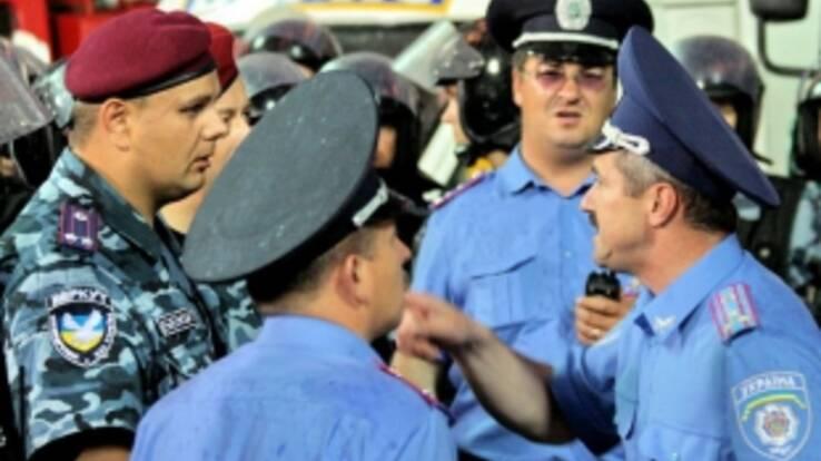Милиционеров вооружат электронными переводчиками