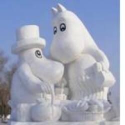 Снежные скульптуры в детском саду, или как подарить детям сказку