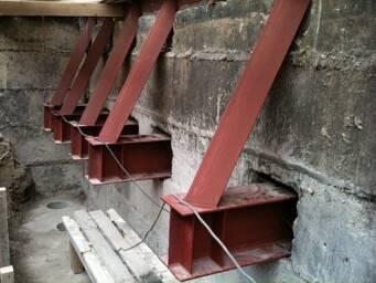 Зміцнення фундаменту старого будинку: можливі способи