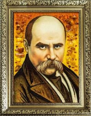 Портрети знаменитостей із бурштину (фото)