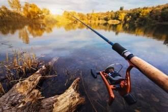 Экипировка рыбака: как выбрать водонепроницаемый костюм