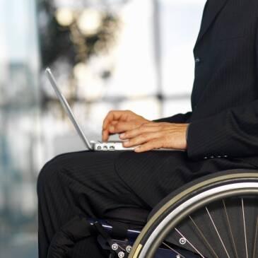 Чи працевлаштовуються інваліди в Україні? Підсумки початку 2011 року